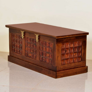 Solid Wooden Diamond Design Gall and Box